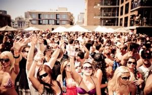 Summer-Salt-Pool-Party