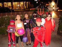 Trick-or-Treat-on-India-Street-sandiego